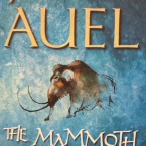 The Mammoth Hunters, Jean M Auel